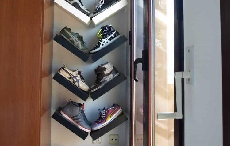 v-shaped shoe shelve