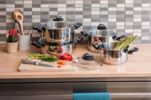 16 Genius Ways To Organize Pots And Pans